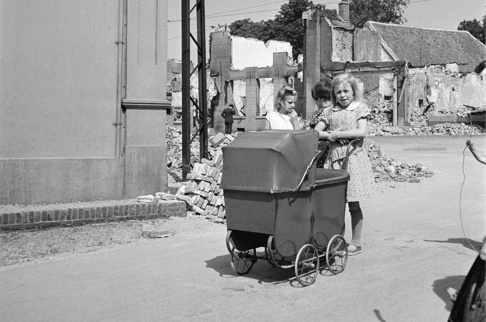 De Tweede Wereldoorlog in 100 beelden - Femke Rotteveel